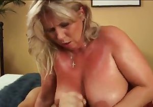 Moaning older lady takes it on all fours, so hot