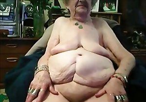 Fat belly granny wants to cum while recorded